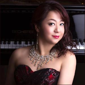 浅野衣美 ピアノ奏者